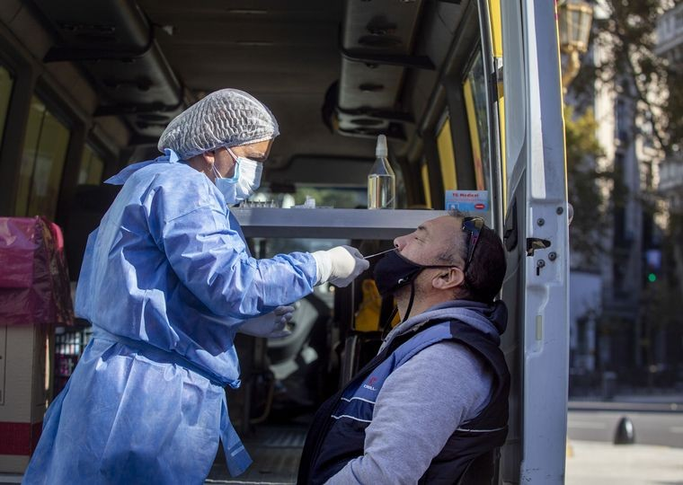 Coronavirus en Córdoba: 34 fallecidos y 825 contagiados. Villa Allende 8 detectados