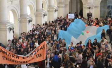 Denuncian cesantías por la no renovación de contratos en Tribunales