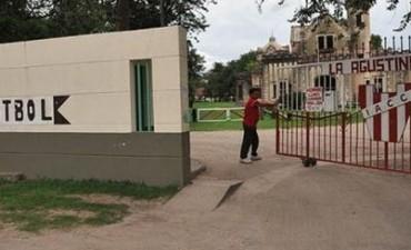 Asaltaron La Agustina mientras policías jugaban al fútbol