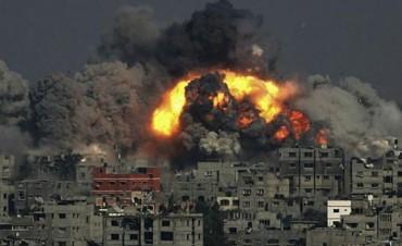 Israel bombardea la única planta eléctrica en Gaza y sube el número de muertos