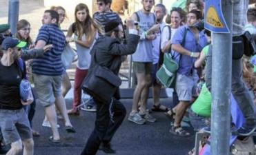 Un judío ultraortodoxo apuñaló a seis personas en marcha gay