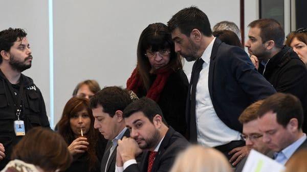 El oficialismo consiguió dictamen para debatir la expulsión de Julio De Vido