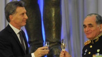 Macri recibió a los jefes de las FFAA y les anunció un aumento del 20%