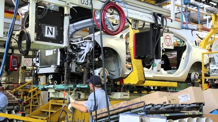 Por parada técnica, Renault suspende a 1.500 operarios