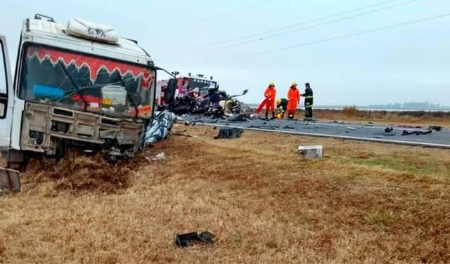 Cinco muertos tras violento accidente en ruta 8 de Córdoba