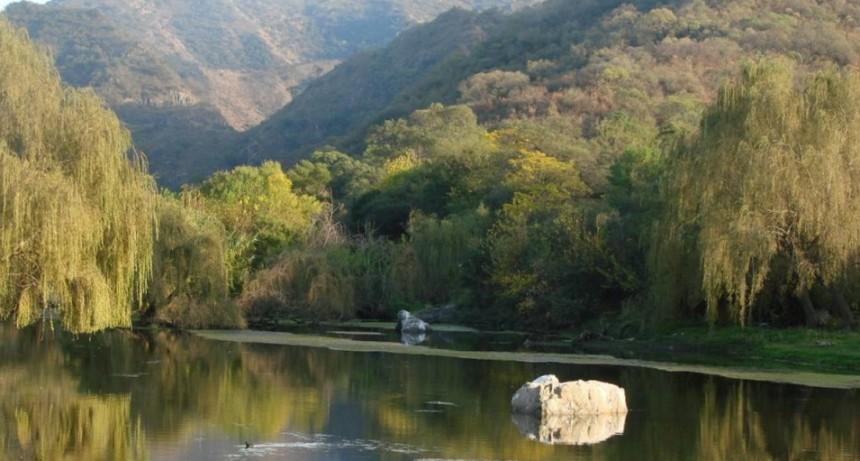 Un adolescente murió ahogado al caer al río en La Calera
