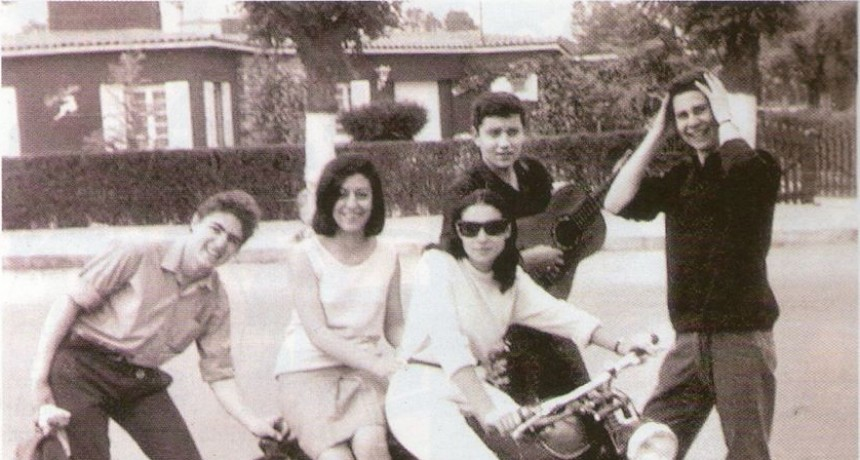 Historias. Primera Promoción del, por entonces, flamante secundario en Villa Allende