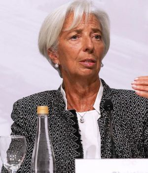Lagarde renunció formalmente al FMI