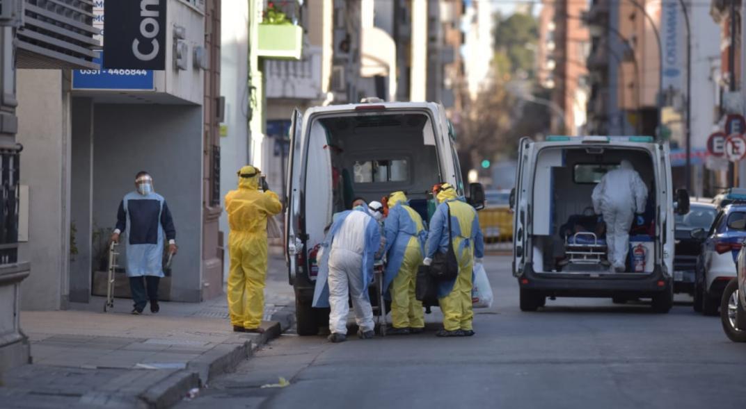 Covid-19 en Córdoba: 79 casos positivos y una muerte este domingo. Un caso nuevo en Villa Allende