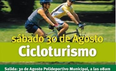 Cicloturismo: andar en bici por los mejores paisajes de la zona