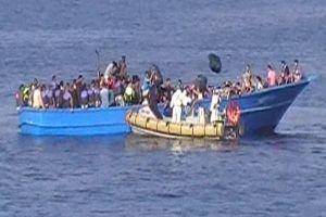 Al menos 40 inmigrantes muertos por asfixia en bodega de barco