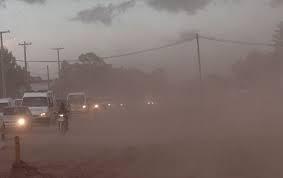 Alerta por fuertes vientos y polvo en el aire