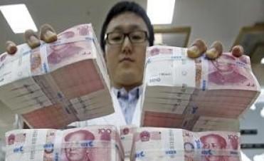 Devaluó China y presiona más al tipo de cambio atrasado