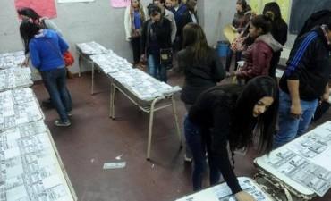 ELECCIONES EN TUCUMÁN Insólito: una urna estaba llena de votos K antes de empezar la elección