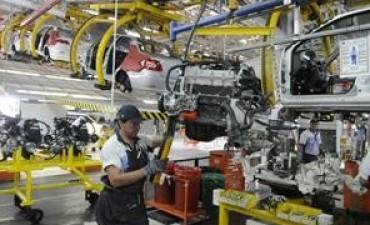 Disponen más suspensiones en la industria automotriz