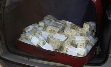 Rafecas inspeccionó la casa de López y ubicó el falso piso donde escondía los U$S 9 millones