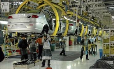 Ofrecen comprar autos 0 Km con descuentos y tasas bajas por la fuerte caida de la industria