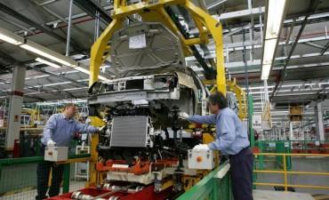 Peligran 2 mil puestos de trabajo en el sector automotriz