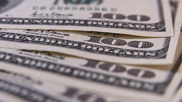 Fuerte baja del dólar tras el resultado electoral