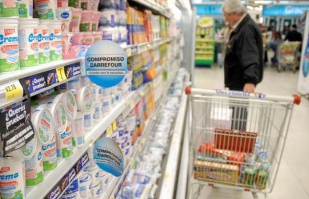 Carrefour lanzó su campaña ''Precios Corajudos'': congeló el precio de 1.300 productos de su marca