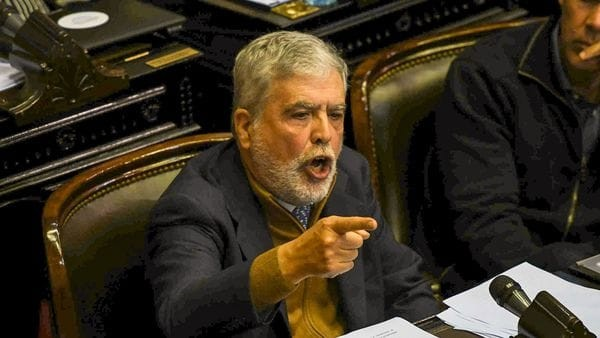 Julio De Vido será juzgado por la compra de trenes chatarra