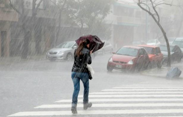Rige alerta por fuertes tormenta en Córdoba