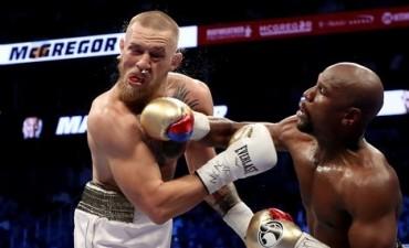 Floyd Mayweather cumplió con la lógica, venció a Conor McGregor y agrandó su leyenda