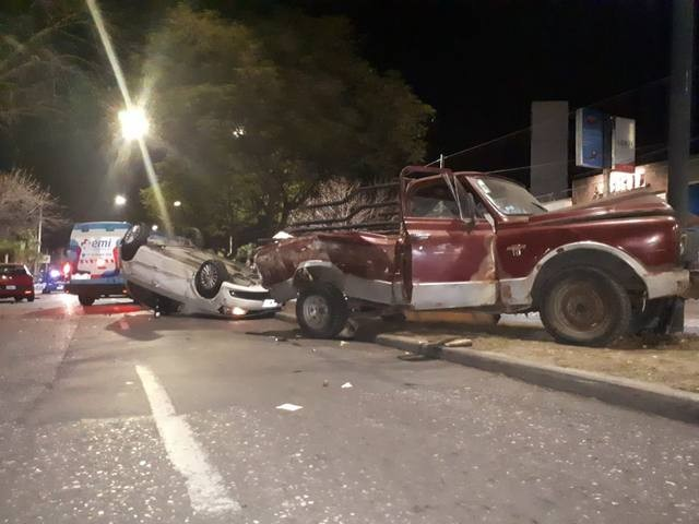 Triple choque en avenida Rafael Núñez deja al menos un herido