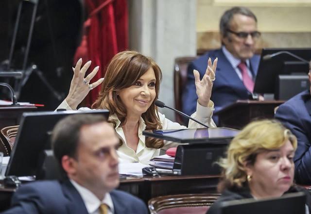Bonadio pidió allanar el departamento de Cristina Kirchner