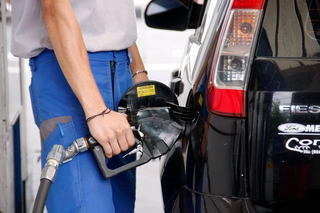 Nuevo aumento de combustibles y la súper ya se vende casi a $ 33