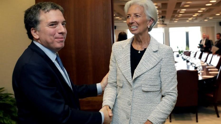 Con la inflación de julio, el Gobierno compromete aún más la meta acordada con el FMI
