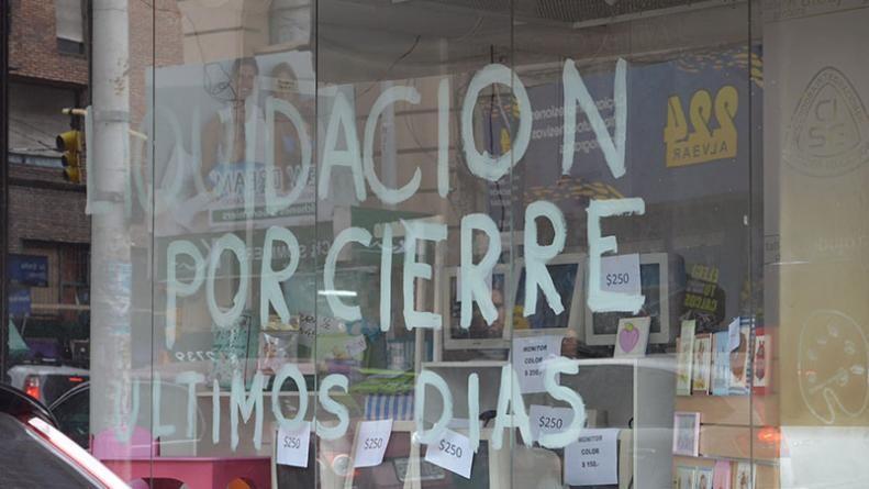 """La crisis golpea a las Pymes: """"Todos los días cierra un negocio en Córdoba"""""""