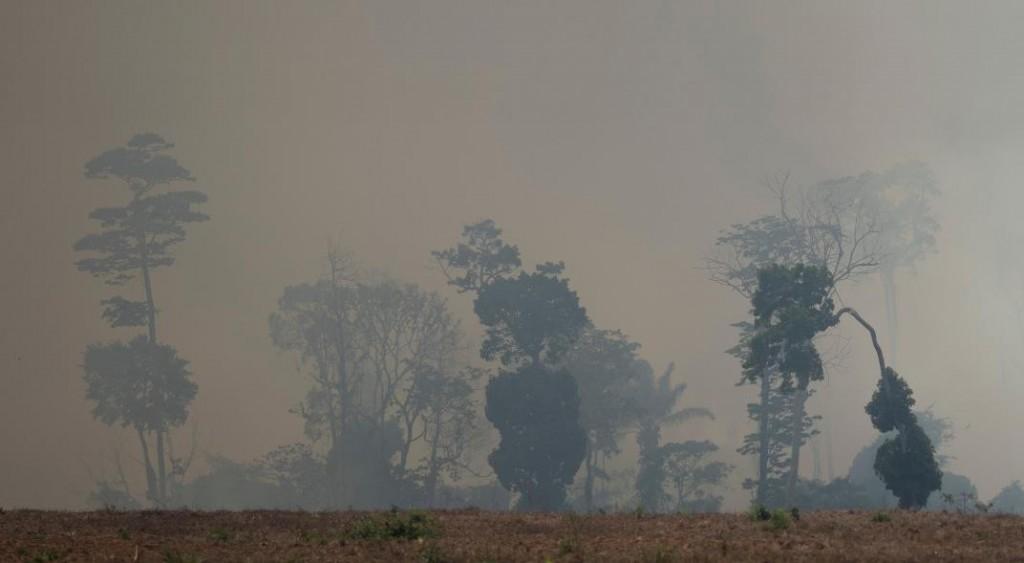 Bolsonaro da por superada la crisis de los incendios, pese a la alarma mundial