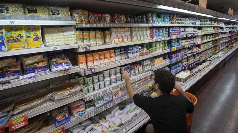 Macri elimina el IVA de los alimentos básicos hasta fin de año