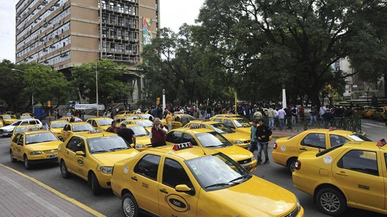 Taxistas cordobeses marcharán contra las aplicaciones de transporte
