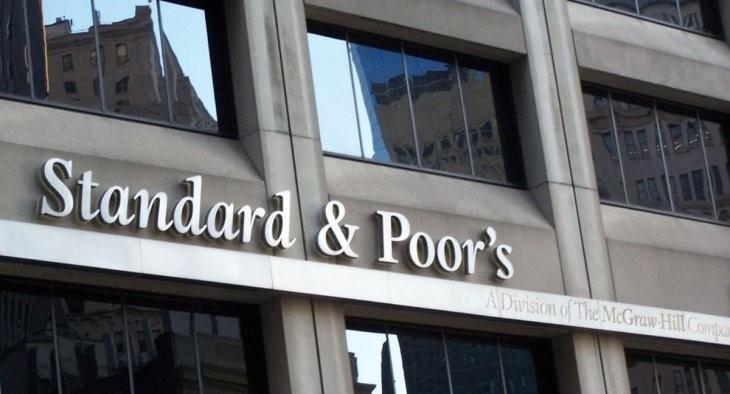 Standard & Pools bajó la calificación de Argentina y la ubico como