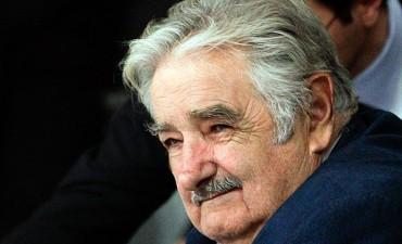 Mujica puso en marcha otra pastera a la vera del Río de la Plata