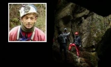 Rescataron al espeleólogo español tras pasar 12 días en una cueva en Perú