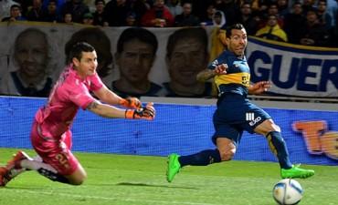 Boca superó a Defensa en Córdoba y pasó a semifinales