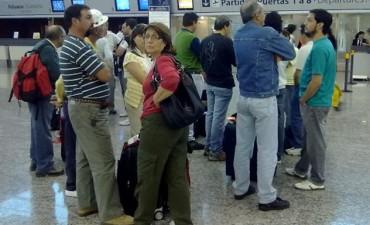 Paro de maleteros en el Aeropuerto de Córdoba