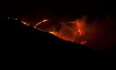 Dura lucha contra el fuego en Punilla