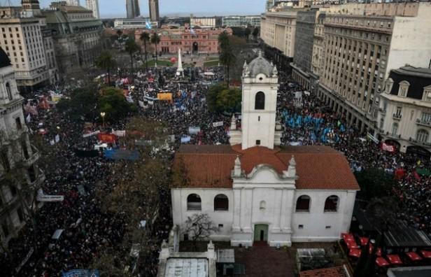 Movilizaciones e incidentes por Santiago Maldonado en todo el país