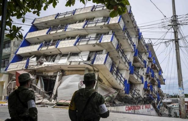 Ya son al menos 61 muertos por el devastador terremoto en México