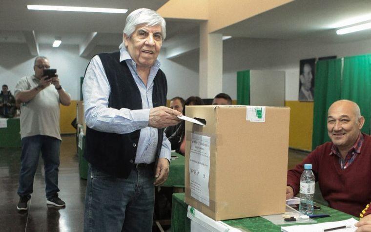 Hugo Moyano, reelecto por octava vez en Camioneros