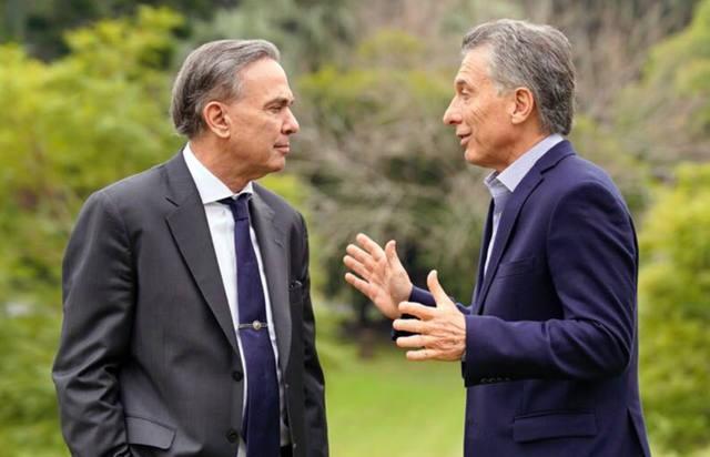 Macri prometió reducción a cero de cargas patronales