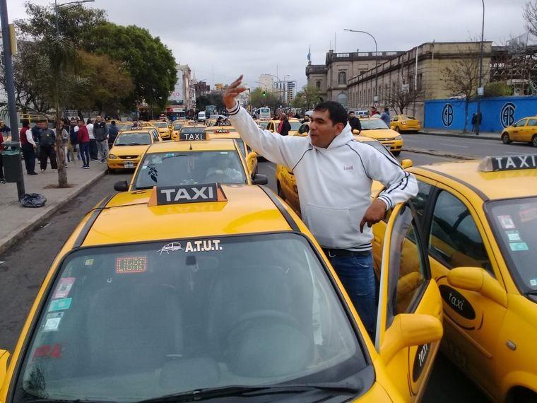 Uber en Córdoba: taxistas levantan paro y exigen controles