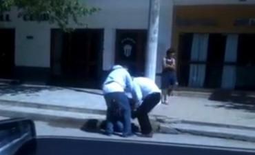 Un periodista denunció penalmente al intendente de Arias por agresión física y verbal