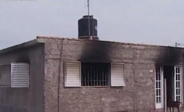 Incendio dejó sin pertenencias a una familia