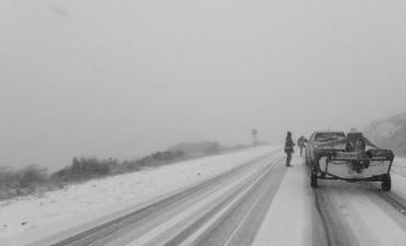 Volvió a nevar,pero  permanece abierto el Camino de las Altas Cumbres
