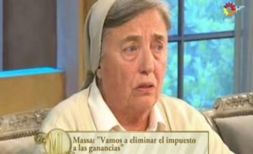 La monja Pelloni atragantó a Massa y De la Sota en lo de Mirtha